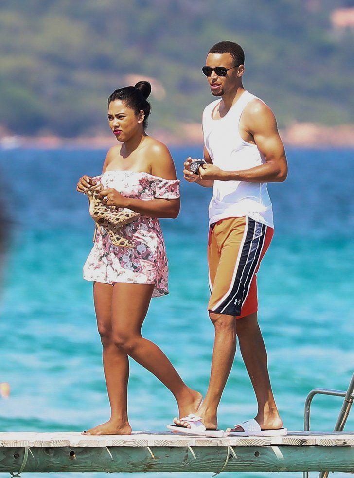 Ayesha and stephen curry celebrate their 5 year wedding ayesha and stephen curry celebrate their 5 year wedding anniversary on a yacht in st tropez junglespirit Images