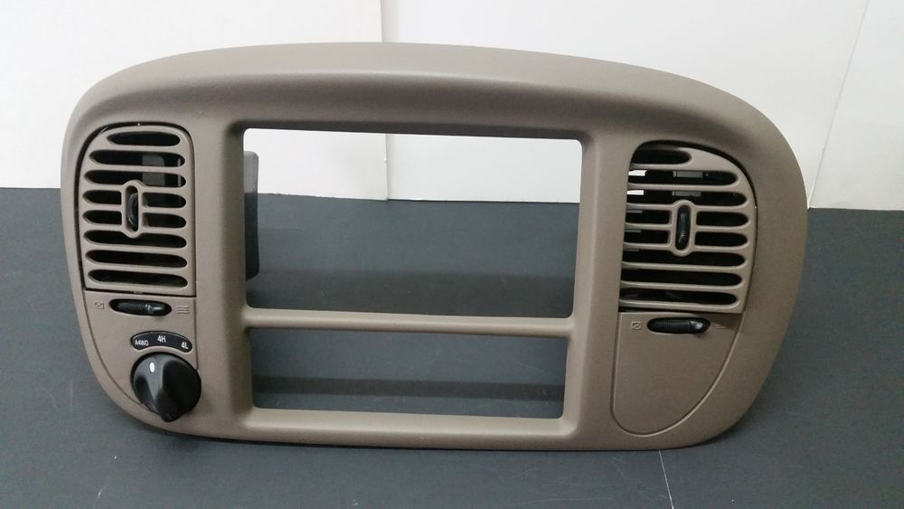 Lincoln Navigator Oem Dash Vent Trim Radio Bezel Tan 2438