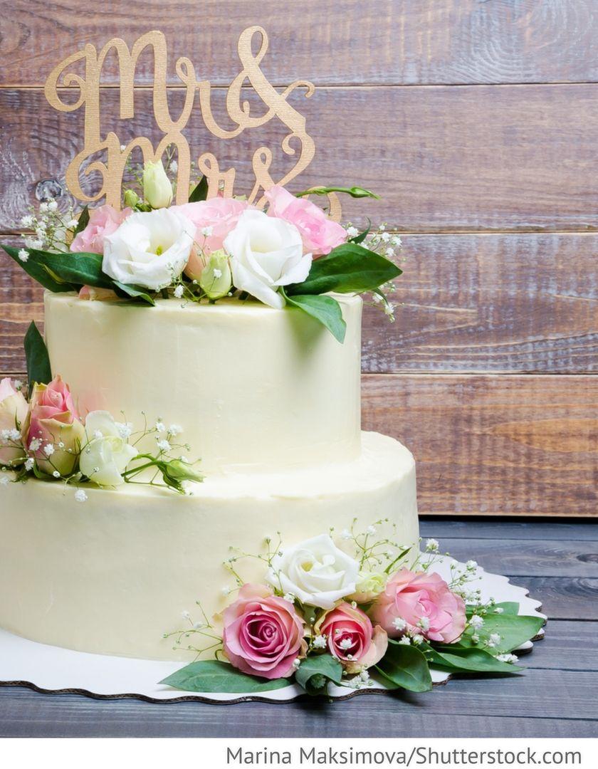 Kasekuchen Hochzeitstorte Mit Rosen Fur Hochzeit Hochzeit Sabine
