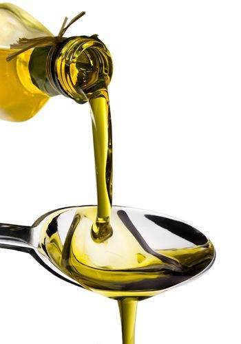 What is fake olive oil _ What is fake olive oil made of you: Hence, it is hugely important for everyone to know what olive oil to buy or what olive oil is fake or real. Check below to buy quality products. #oliveoils