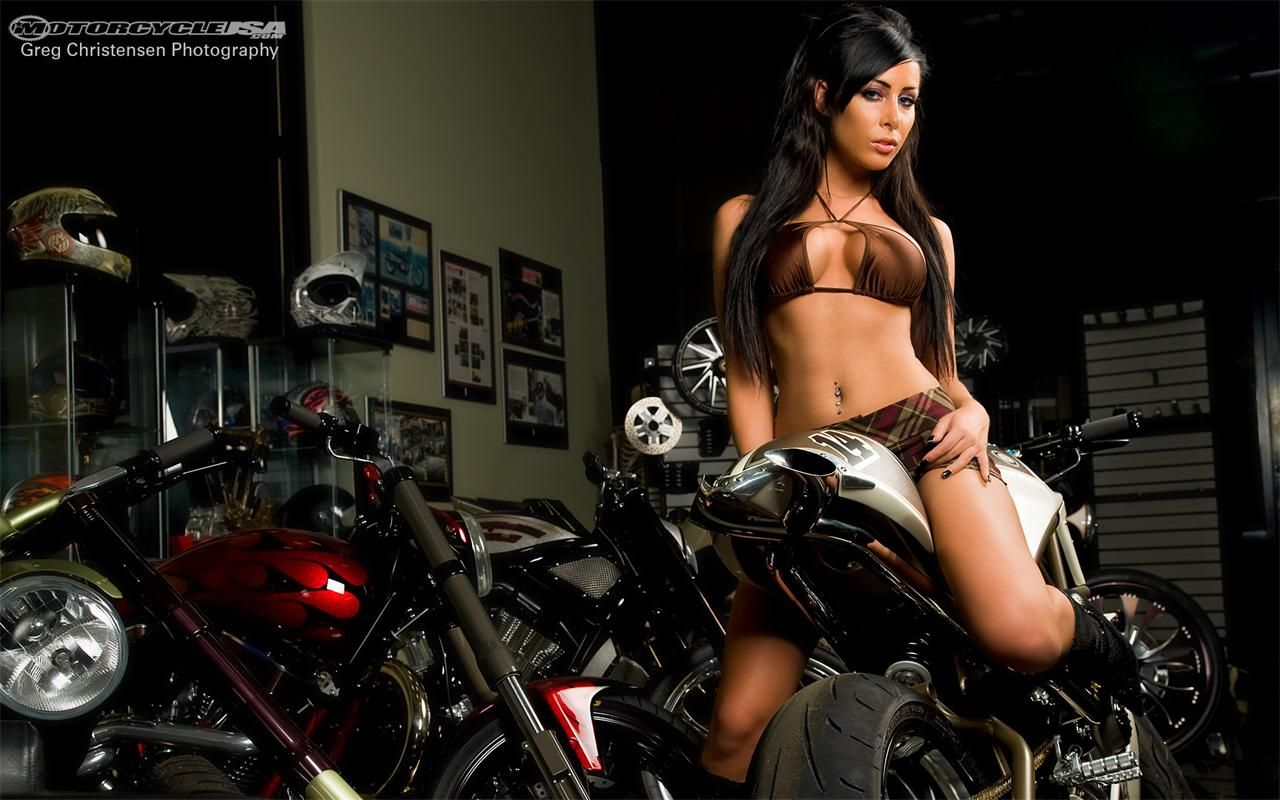 Hot biker girls nude free pictures
