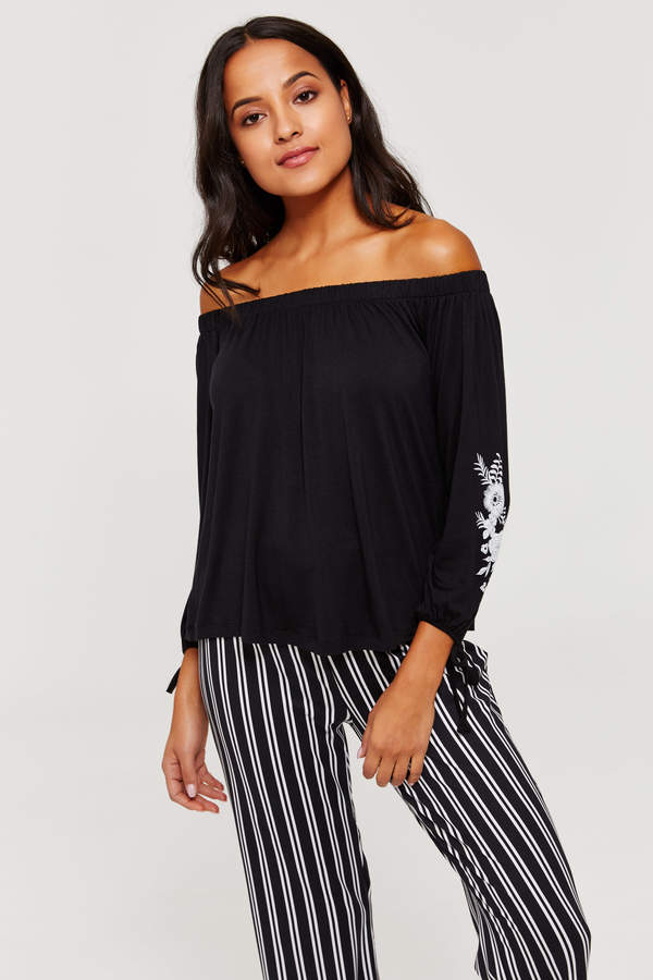 fb1a6d653feb5 Ardene Floral Off Shoulder Top