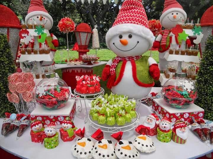 Pin by Stephanie Repiton on DECORACIÓN Y CENA DE NAVIDAD./ DECORATED CHRISTMAS DINNER. | Christmas candy bar, Christmas birthday party, Christmas sweet table