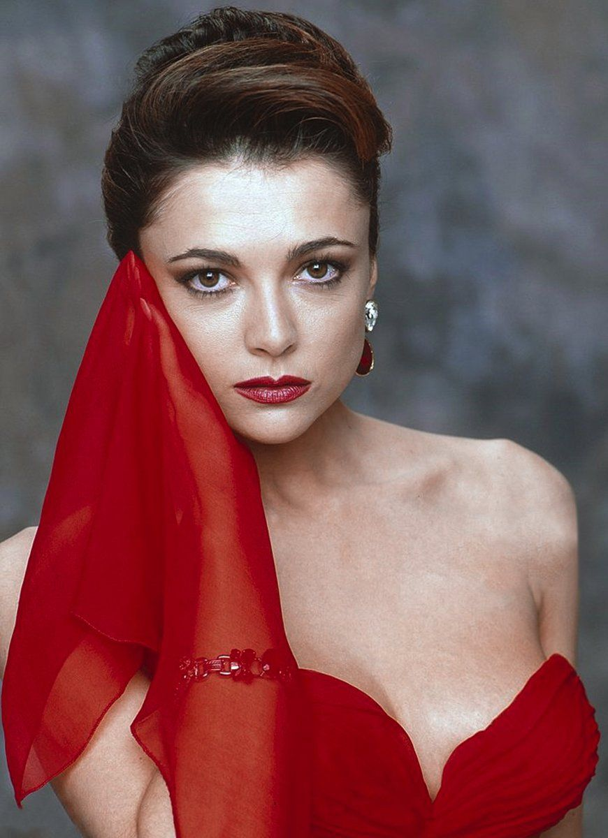 pictures Stephanie Romanov
