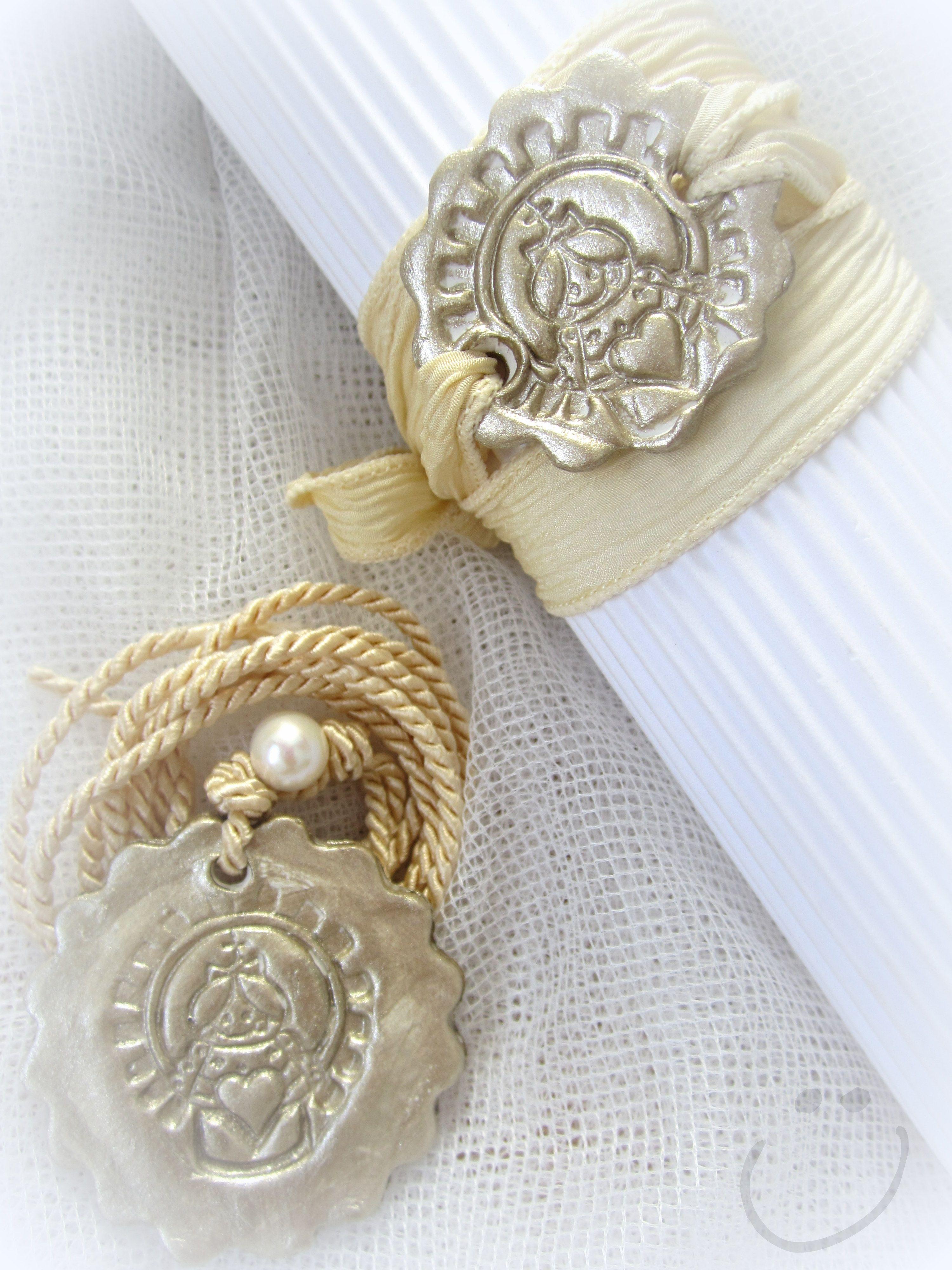 Medallas y pulseras exclusivas.  http://salasguerri.blogspot.com.es/