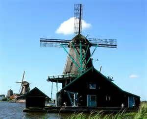 moulins à vent - Bing Images