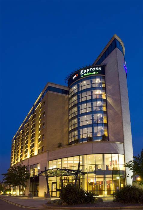 Radisson Edwardian Heathrow London United Kingdom Tripmart Com Top Hotels Holiday Inn Inn