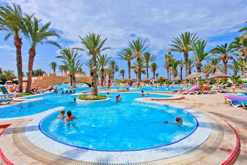 With a stay at Houda Golf and Beach Club in Monastir, you'll be