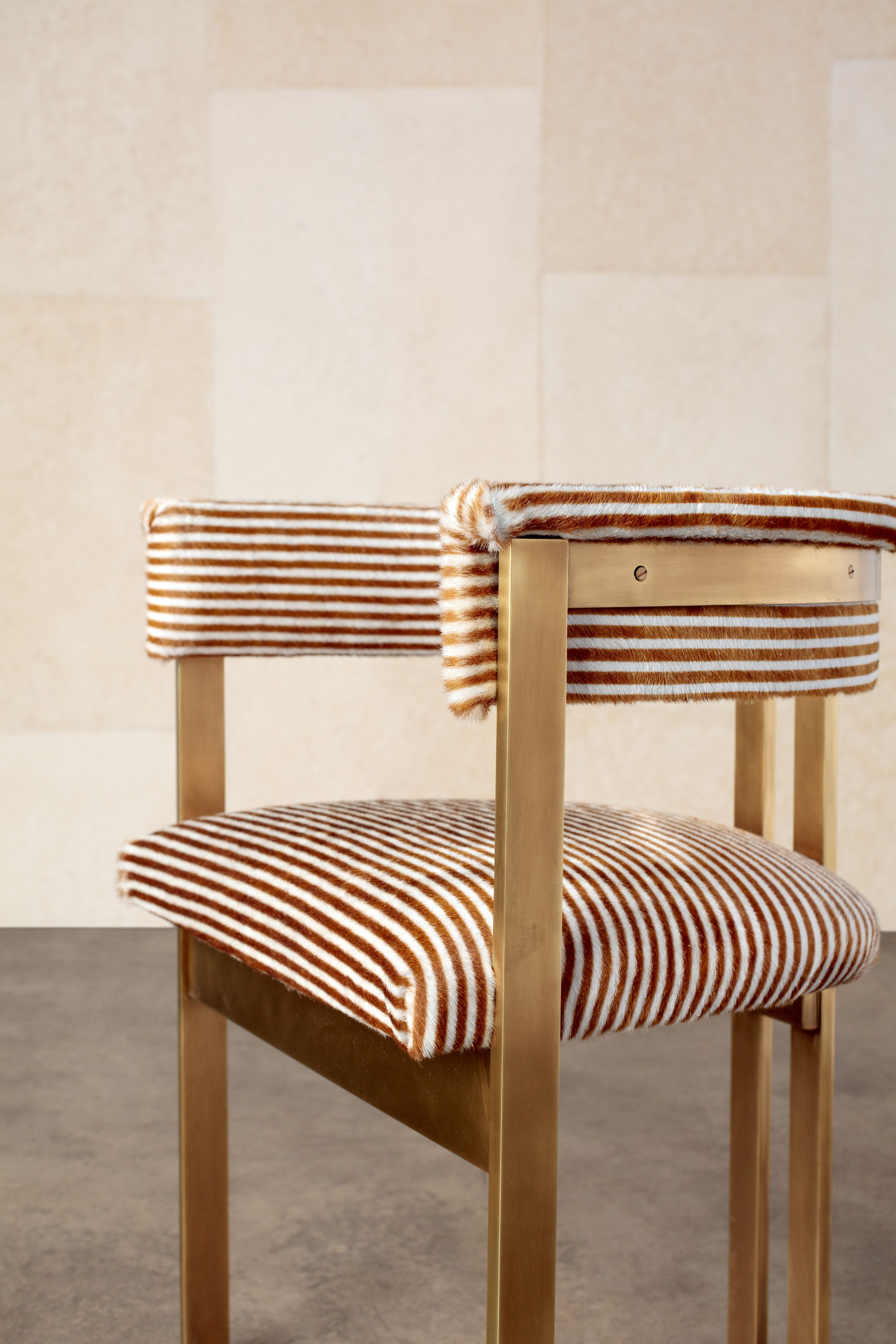 Kelly wearstler icon hide thoughtfully colored and refined this distinctive pattern is designed to work in either direction amazing as an upholstery