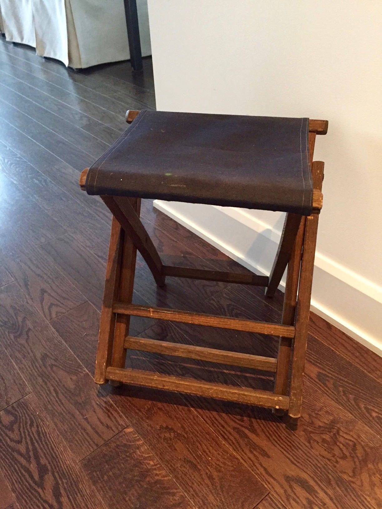 Vintage WOODEN FOLDING CAMP Stool Chair 1940s Camp Lodge Outdoor