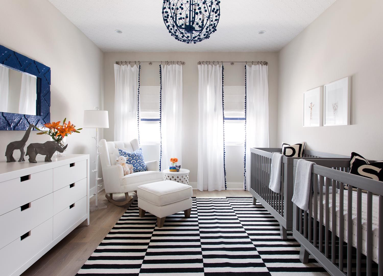 Best Black White Blue Baby Room With Animal Accent 400 x 300