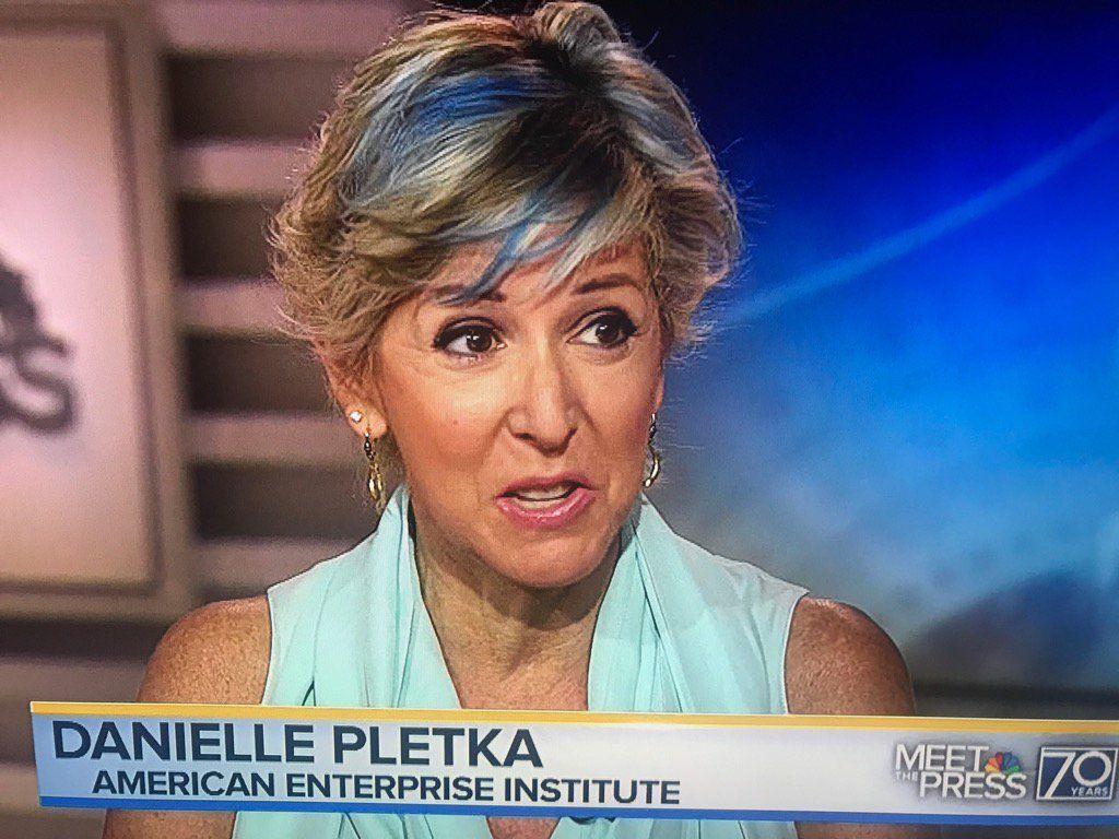 Danielle Pletka I Love The Blue In Her Hair Beauty Pinterest