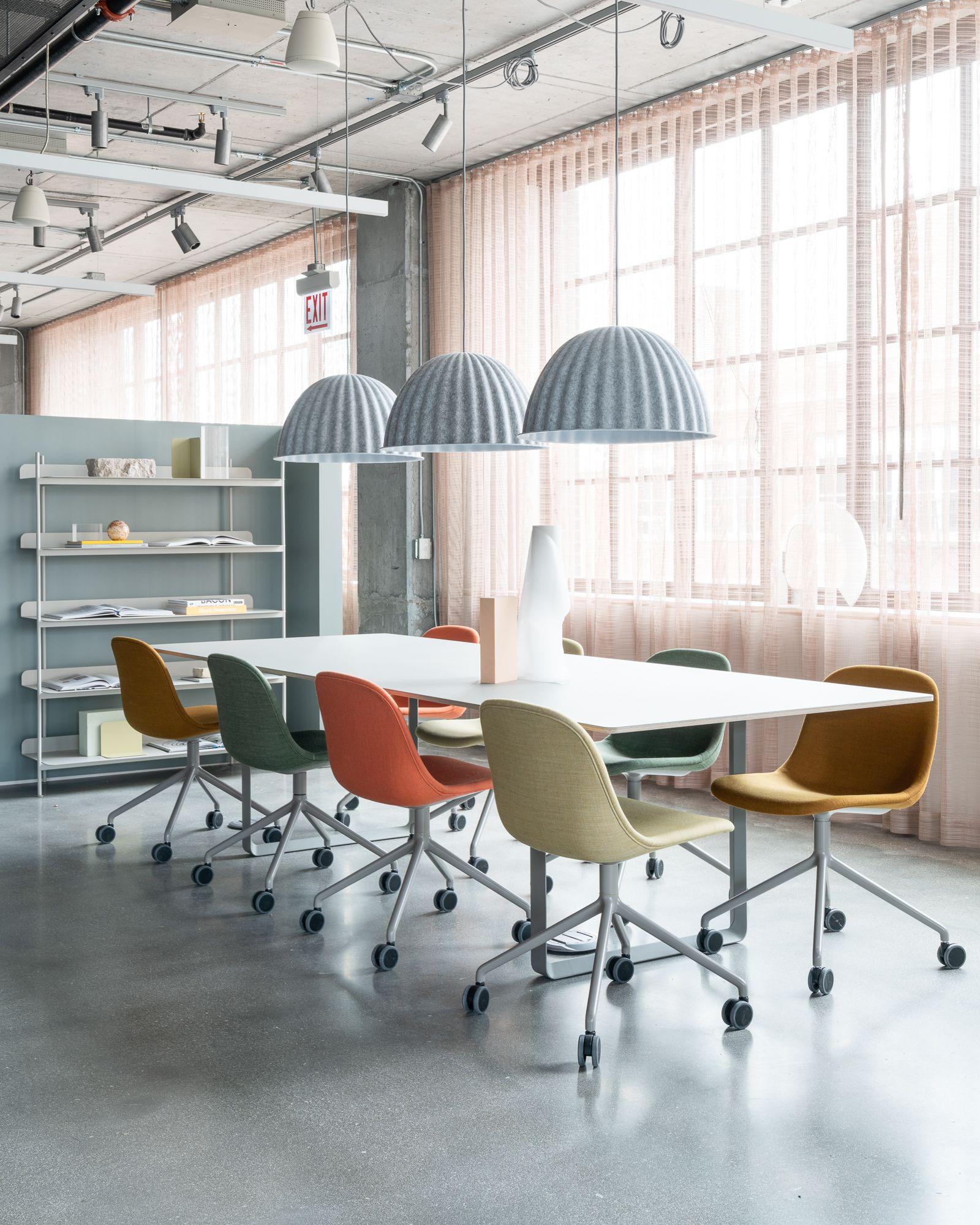 Modern Scandinavian Office Chair Inspiration For Office Space Interior From Muuto The Fiber A Modern Office Interiors Modern Office Space Modern Office Design