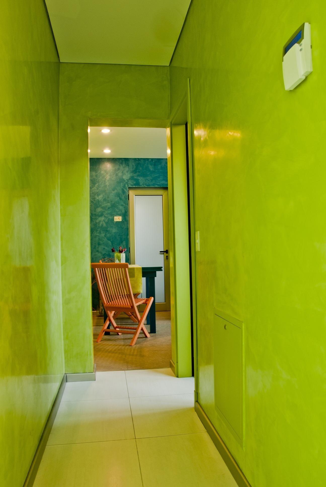 textura lisa y brillante en las paredes interiores de una