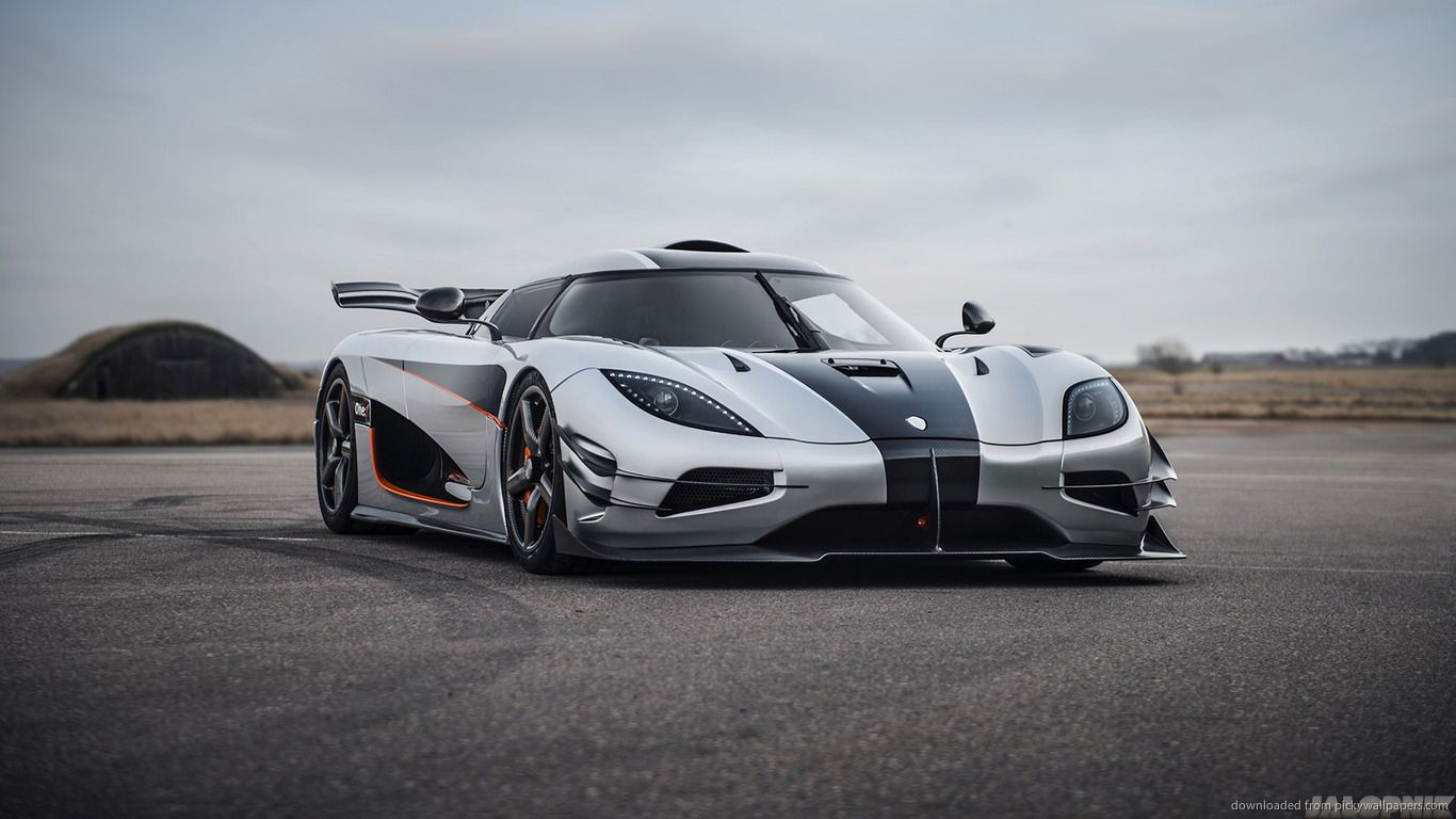 Download 1366x768 Koenigsegg Agera One 1 Front Wallpaper