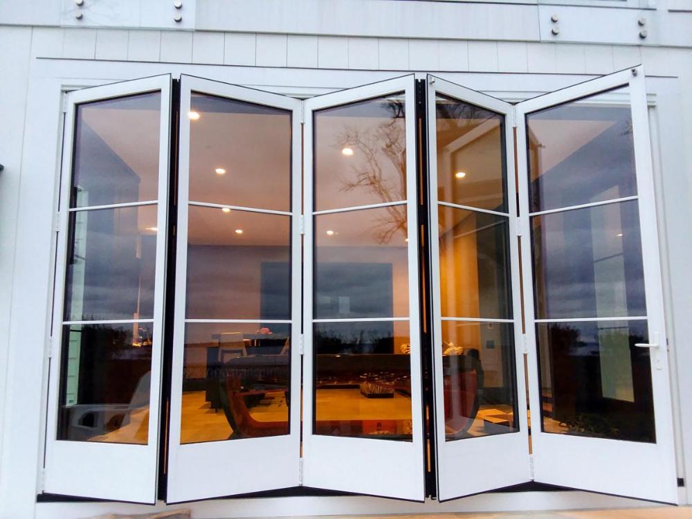 Folding Glass Walls Solar Innovations In 2020 Glass Door Repair Glass Wall Roller Doors