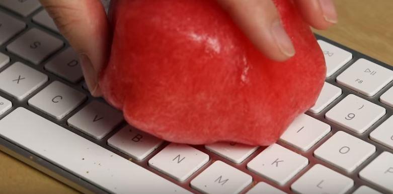 Mit Kontaktlinsenflussigkeit Die Tastatur Reinigen Wer Das Noch