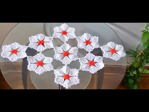 Flor para centro de mesa camino de mesa y mantel for Camino de mesa a crochet