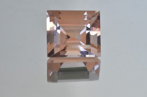 Large Beautiful Peach Morganite. Rectangle cut. 7.50 ct.