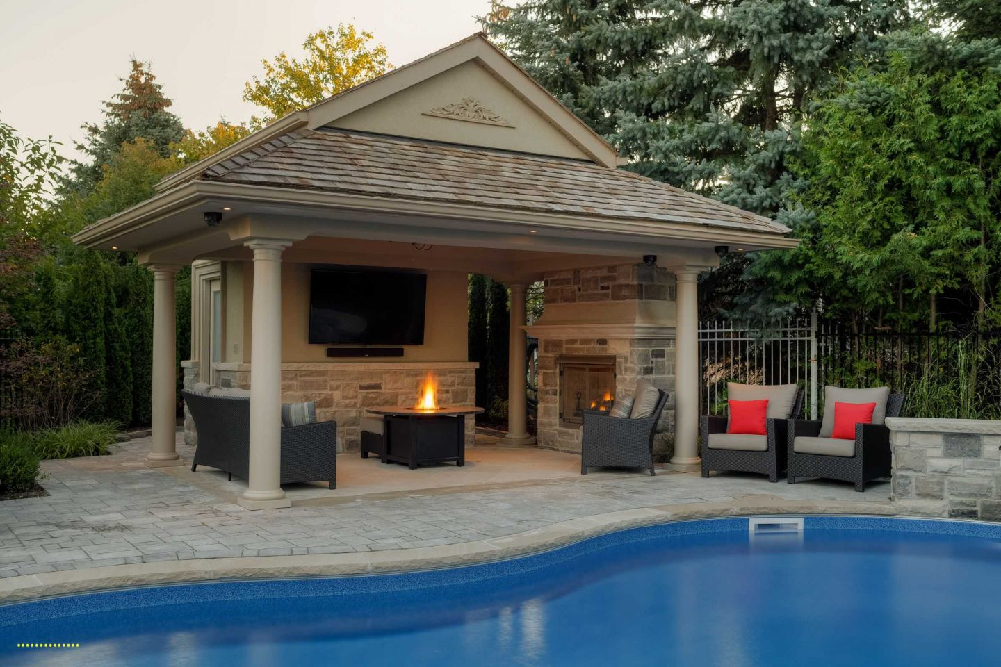 25 Pool House And Cabana Ideas For Relaxing Retreat Rustic Small Simple Modern Diy Outdoor Inexpensive Pool House Designs Pool Gazebo Small Pool Houses