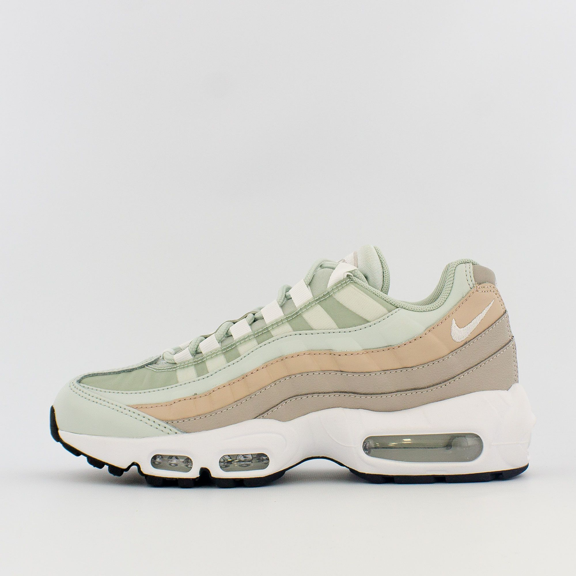Los Angeles bbc92 63eda Nike Air Max 95 (W) in 2019 | Women's Nike 2018 Collection ...