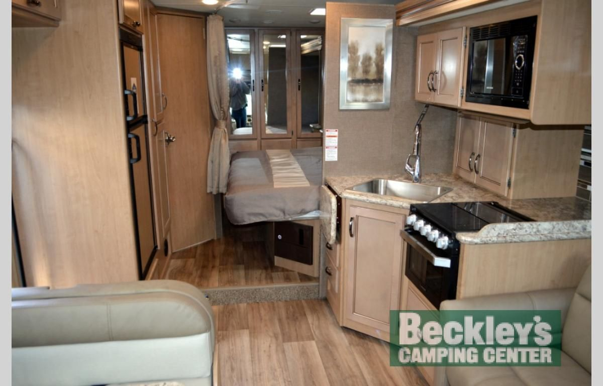 New 2019 Thor Motor Coach Four Winds 27r Motor Home Class C At