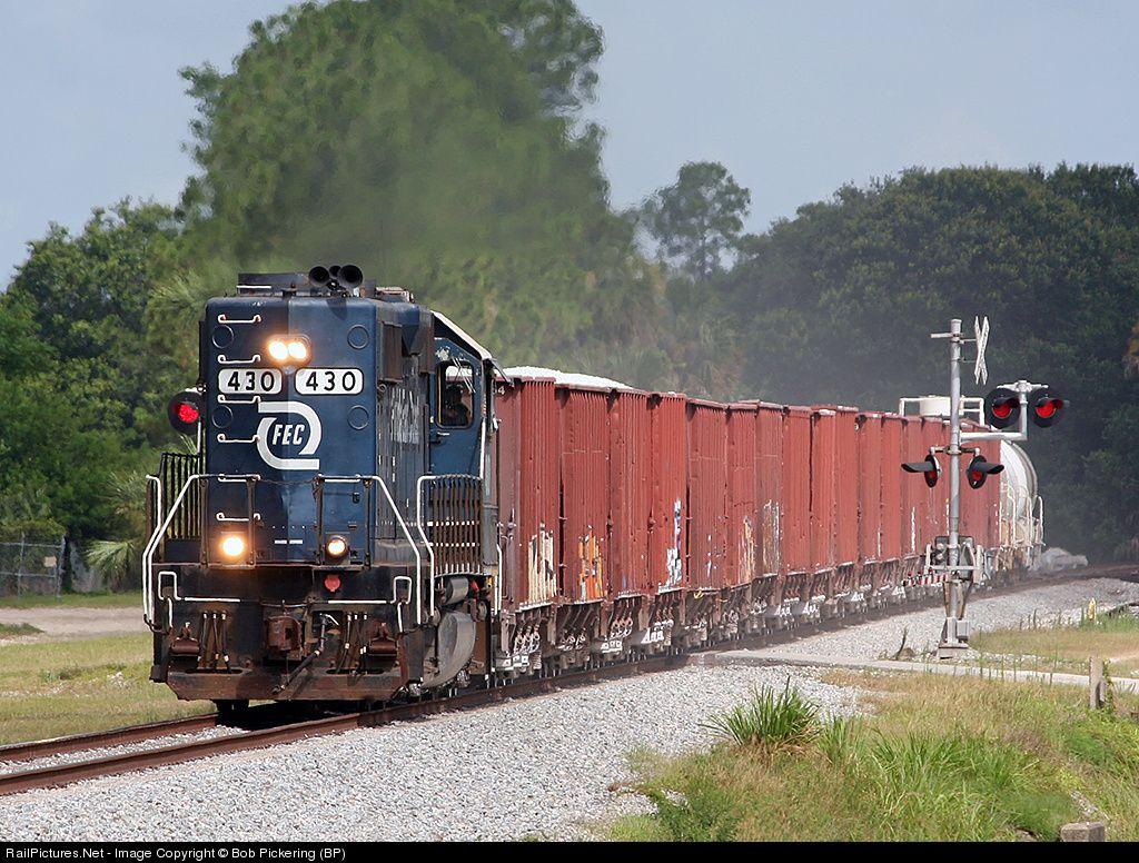 Fec 430 Florida East Coast Railroad Fec Emd Gp40 2 At Bunnell Florida By Bob Pickering Bp Florida East Coast East Coast Florida