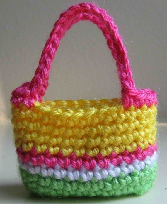 How to crochet a doll bag / purse. Free tutorial / pattern. Easy ... | 699x570