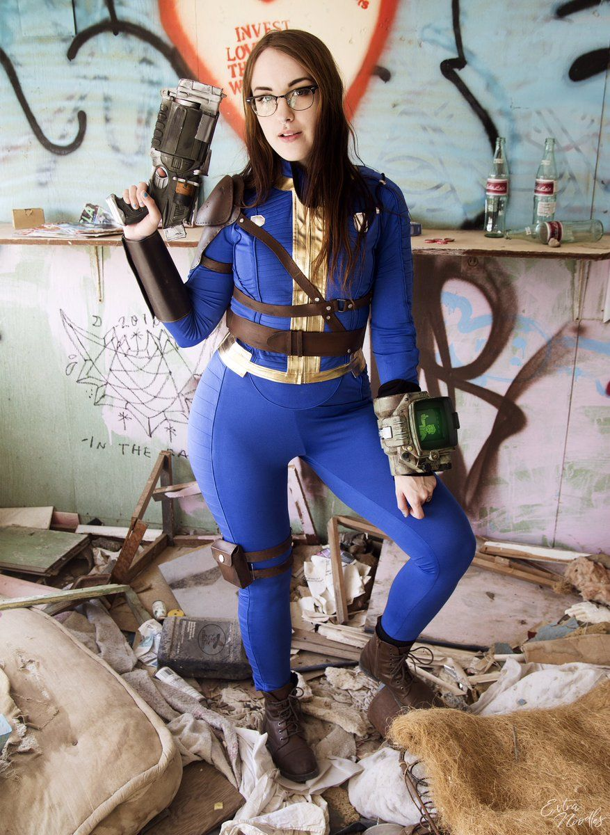 aff371d857d Another great Sole Survivor Vault 111 cosplay | Fallout 4 Vault ...