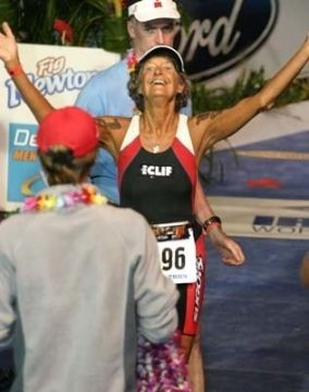 Absolutely Admire This One Woman Godsspeed Senior Fitness Daily Workout Fitness Inspiration