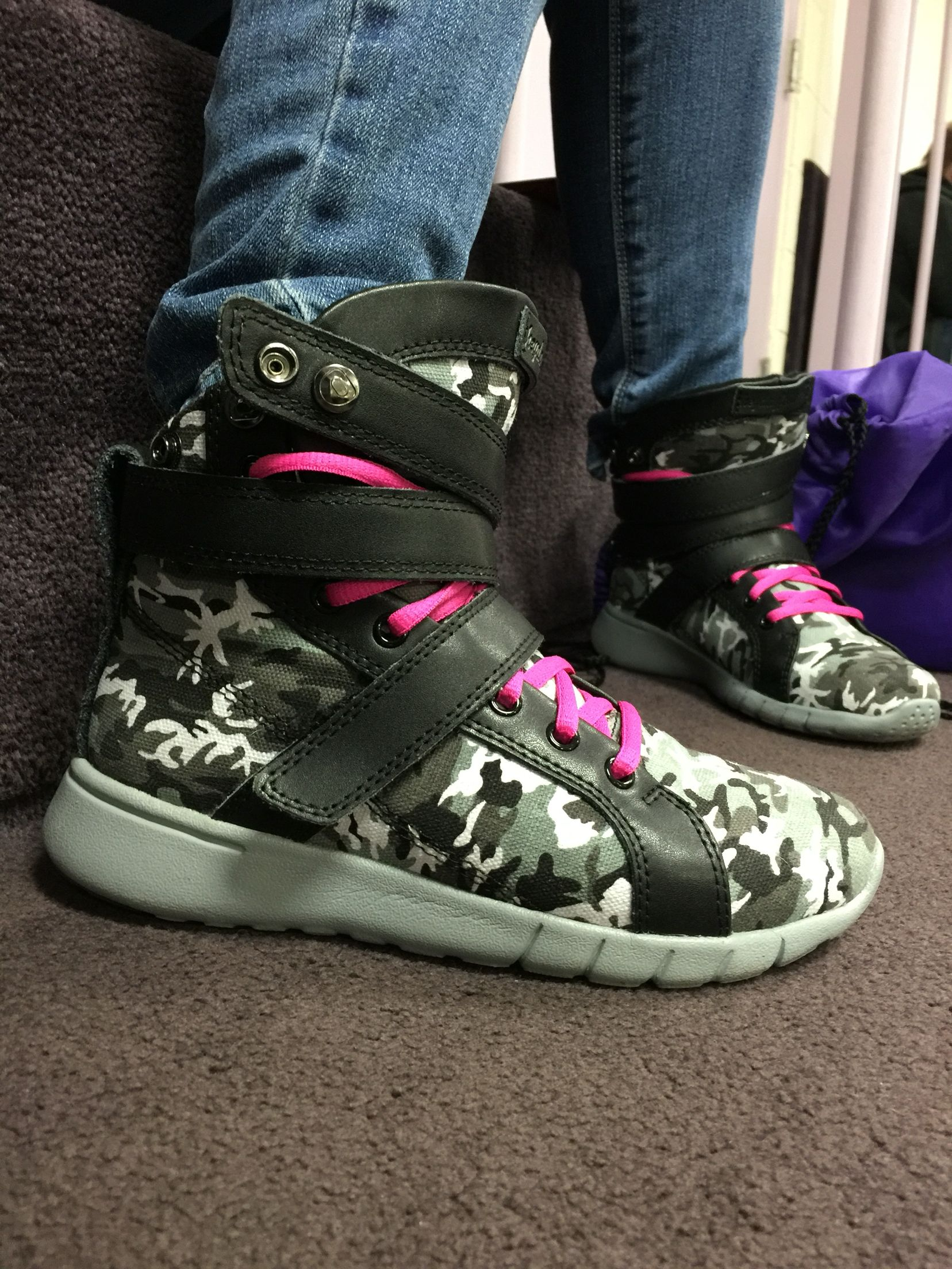 Urban camo high top gym sneakers www
