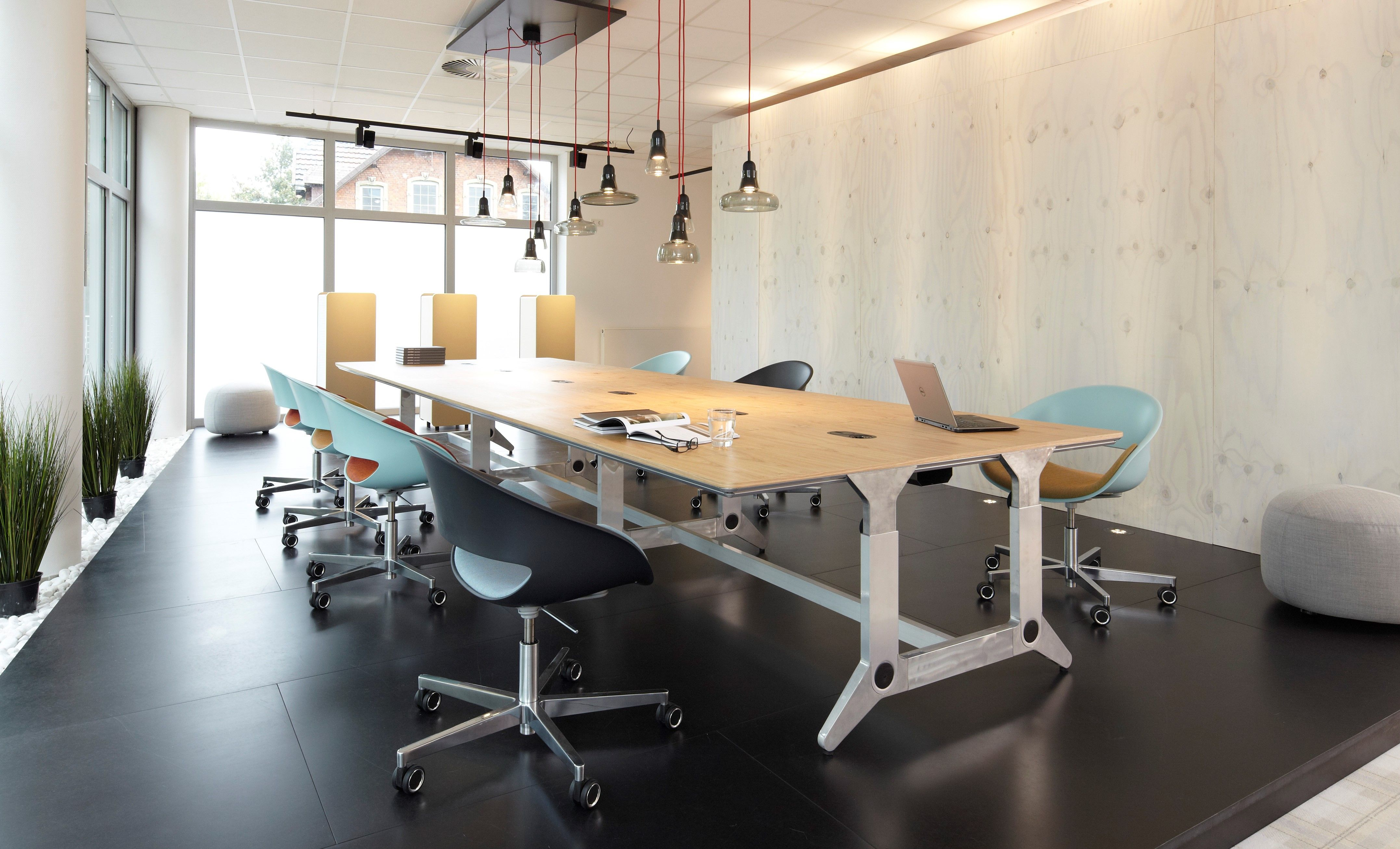 Unit Showroom Minden | Neudoerfler Office Systems | office spaces ...