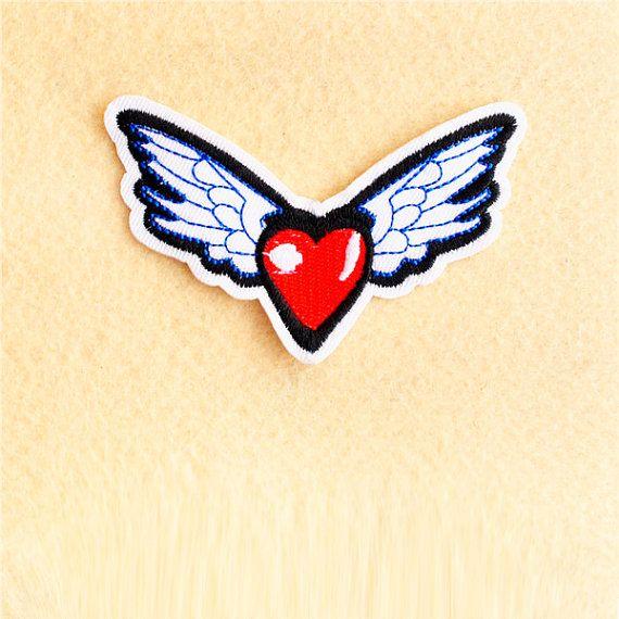 Coeur - fer sur patch - coudre sur patch - patch écusson brodé (taille 9cm x 5.3 cm)