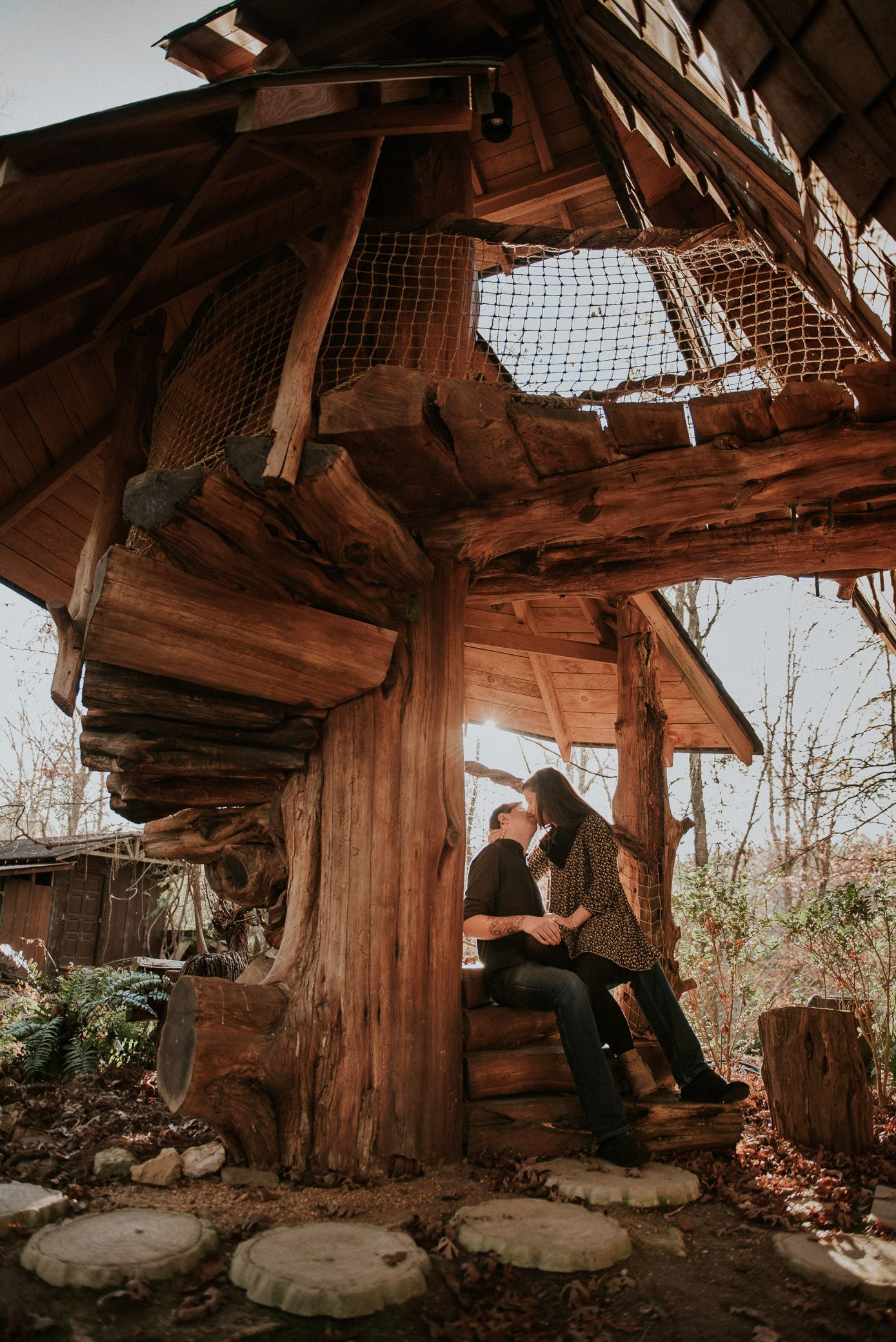 jackson ms engagement session at the johnny knight treehouse