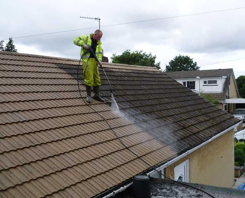 Aqua Wash Teams Offering Roof Cleaning Services In Delaware At Affordable Price If You Are Looking Any Type Roof Cleaning Commercial Cleaning Services Roofing