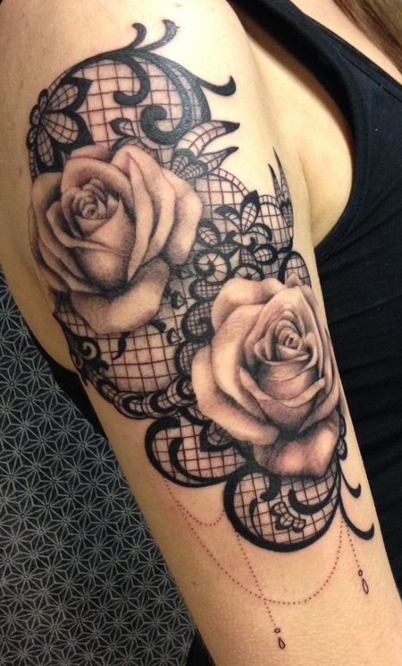 Sexy back rose and lace tattoos