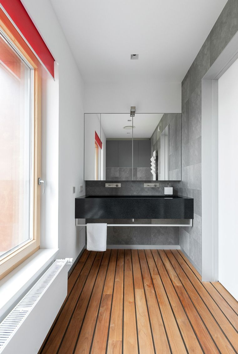 sol en bois de teck pour salle de bain  Beautiful bathroom