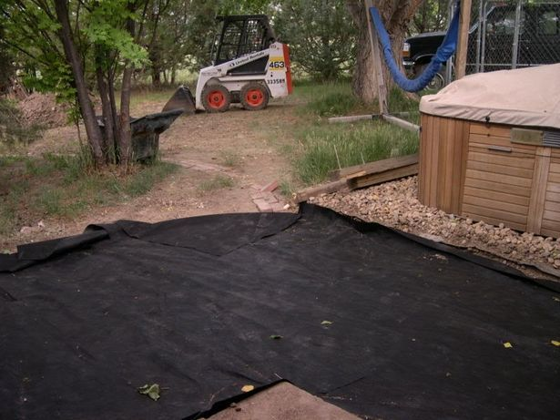 Flower Bed Weed Prevention With A Plastic Liner Thumbnail