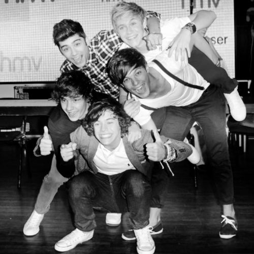 Some people say i'm obsessed...But I'm in love. No one will ever ever understandd my love for these 5 boys. So tell me to shuttup when i'm singing there songs or talking about them...but to be honest I do not care because I am in love with 5 boys named Liam Payne Louis Tomlinson Harry Styles Zayn Malik and Niall Horan(: