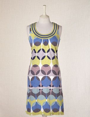 not sure if these colors are 'me' but I love the pattern and neckline. Maybe it'll be an end of season sale bargain for me?