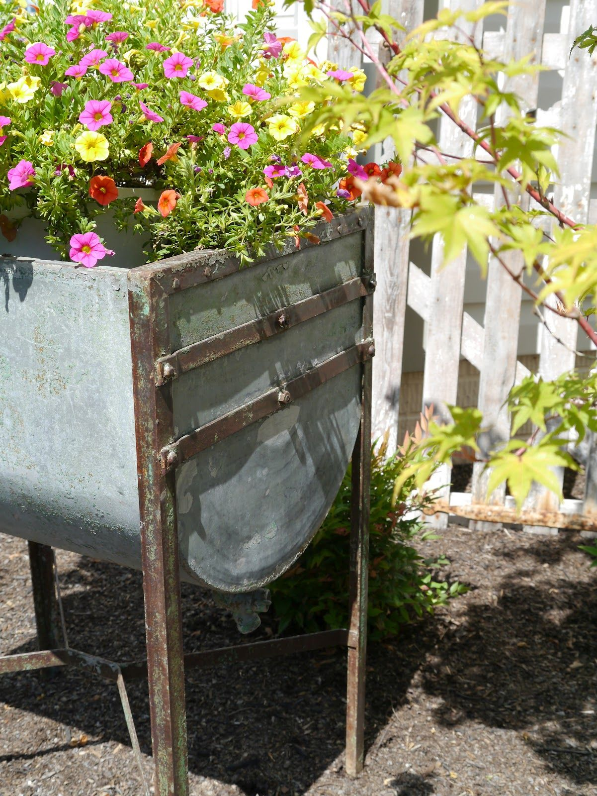 Vintage Washtub Primitive Garden Decor Wash Tubs Flower Cart