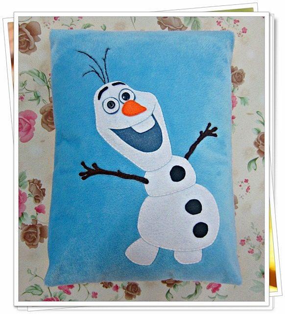 - Coj/ín Frozen Peluche Olaf 3D 115218 Juguete Peluche Hogar Primera Infancia a Partir de 4 a/ños a Partir de 6 Coj/ín de Peluche Frozen Disney Frozen 115218