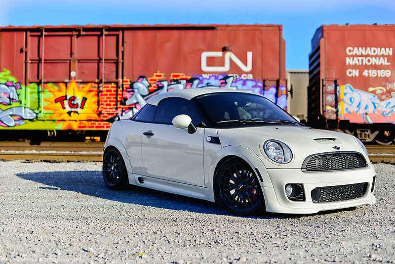 Mini Coupe Jcw Love The Contrasting White Car With Black Wheels