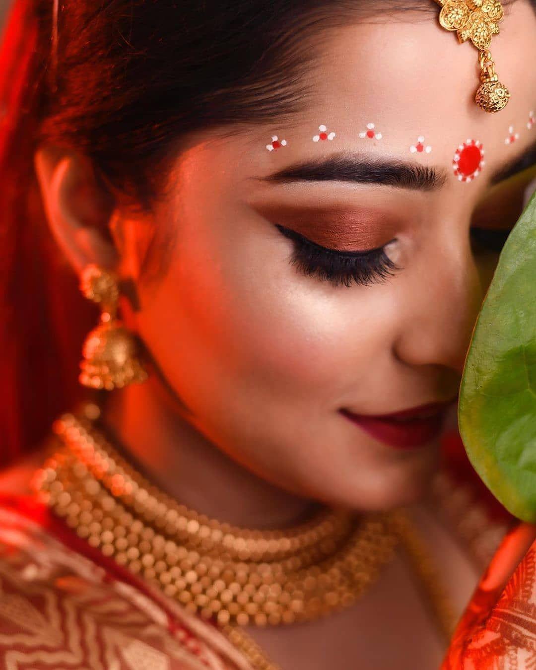 10 Bengali Bridal Kumkum Chandan Designs That Are Khuba Sundara Bengali Bridal Makeup Bridal Makeup Images Indian Bride Makeup