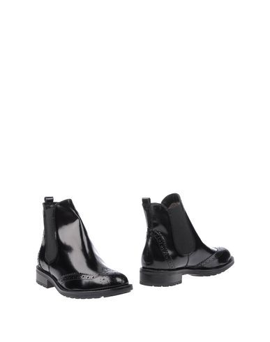 CARMENS Women's Ankle boots Black 11 US
