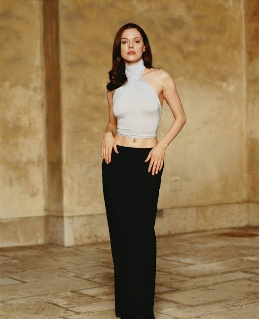 Charmed image by Lamoodie | Fashion, Rose mcgowan, Charmed