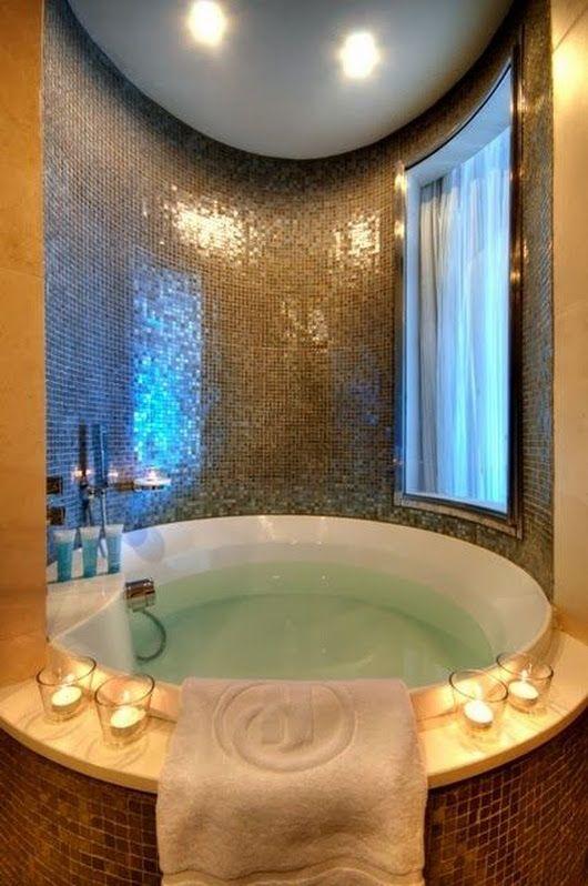 Round Bathtub Bathroom Bathroomideas Bath Soakingtub Bathtub Tub Luxury Luxurious Dream Bathrooms Dream House House Design