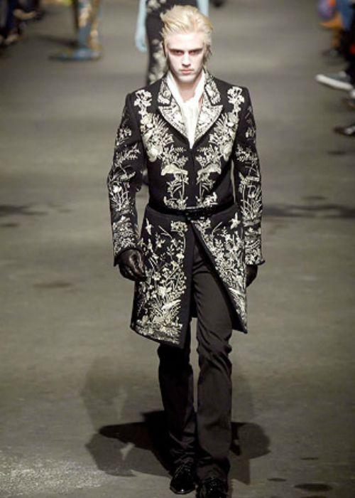 Forprancyboys Alexander Mcqueen A W 2007 8 Alexander Mcqueen Menswear Favorite Fashion Designer Fashion Design