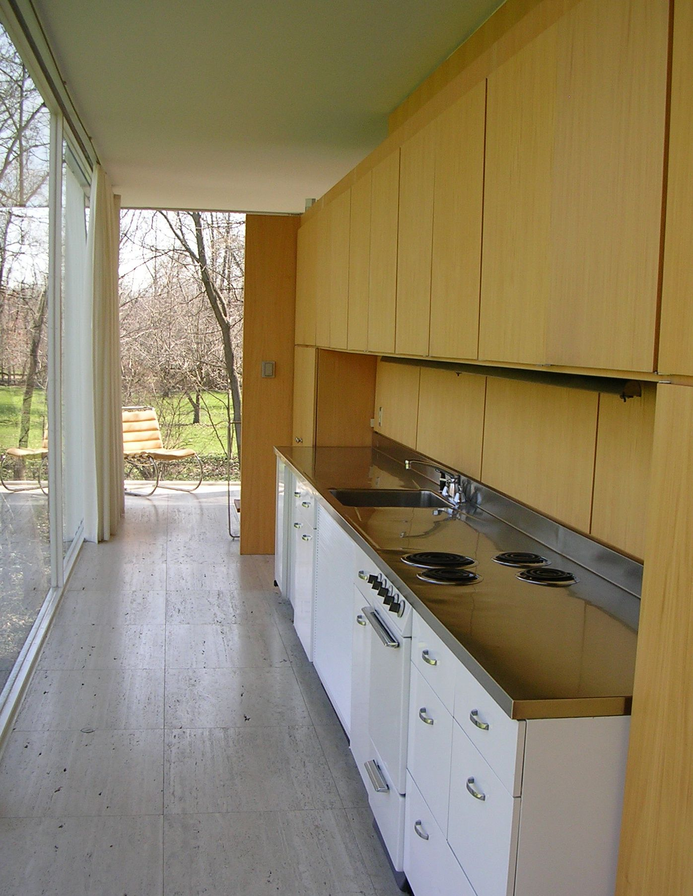 farnsworth house kitchen ludwig mies van der rohe