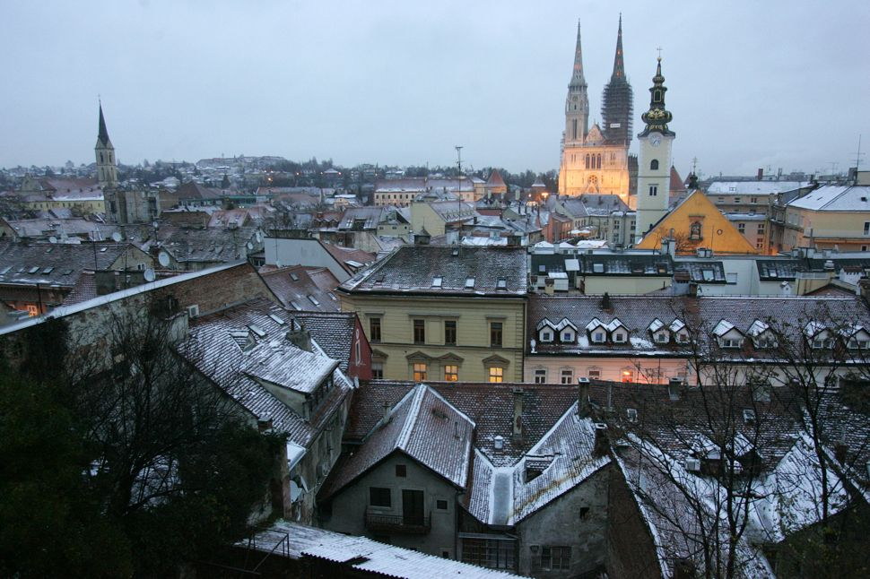 Big Picture Snow Covered Zagreb Croatie